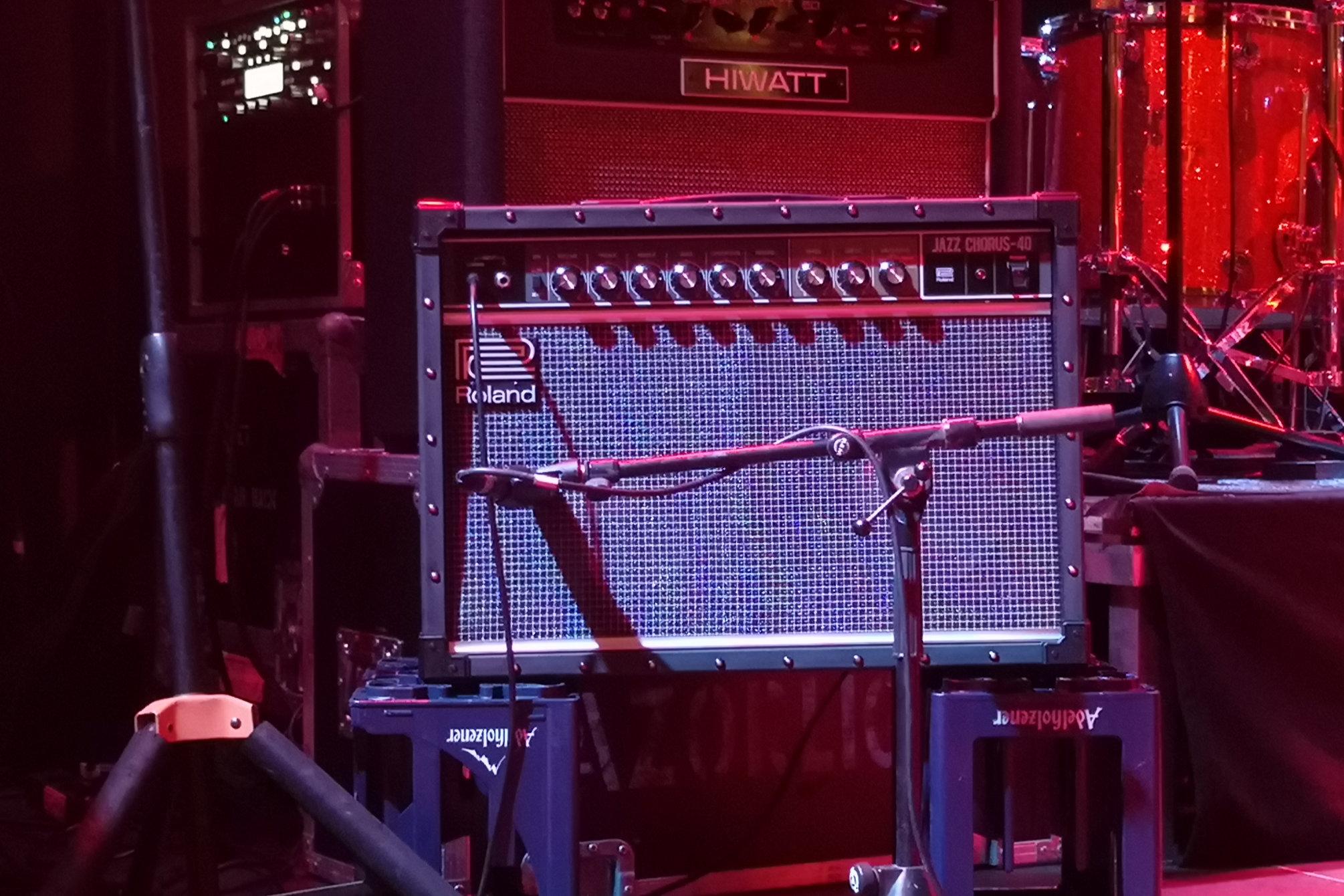 Roland JC-40 on stage